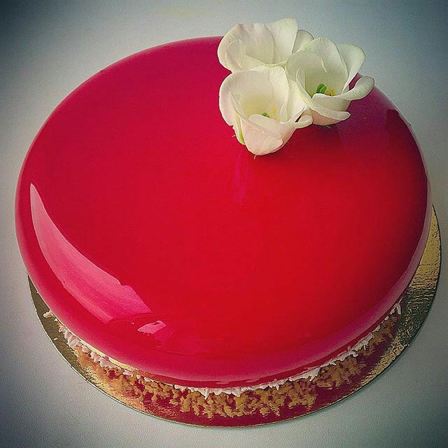 Red Velvet Mirror Glaze Trivandrum Cake House Tm